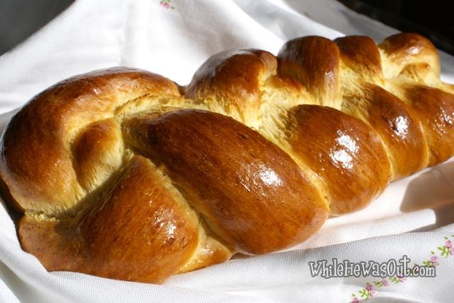 Braided_Sweet_Bread_Challah05