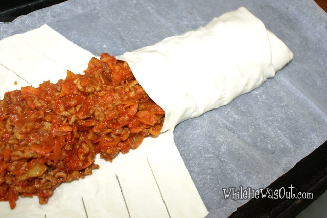 Bolognese_Puff_Pastry_Braid  07