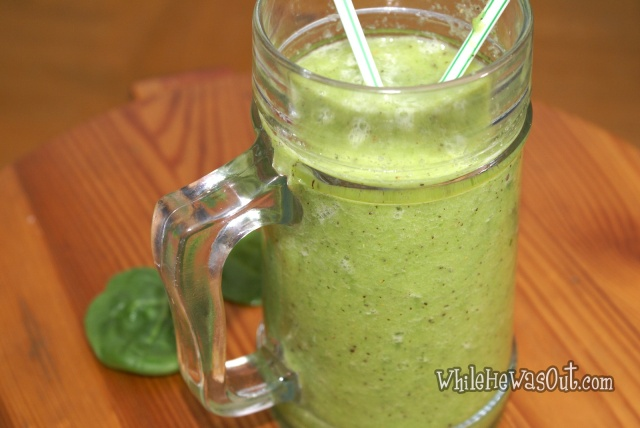 Vibrant_Green_Spinach_Smoothie  02