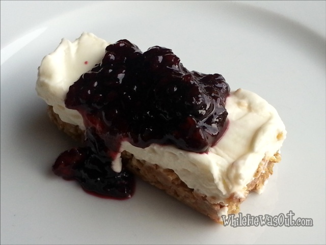 Cheesecake_with_Mulberry_Sauce  20