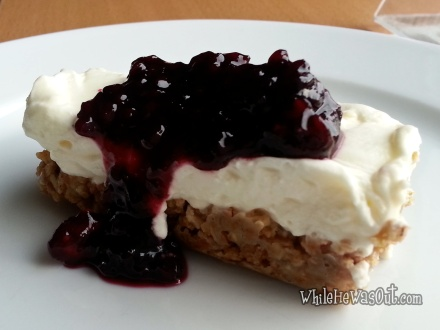 Cheesecake_with_Mulberry_Sauce  21