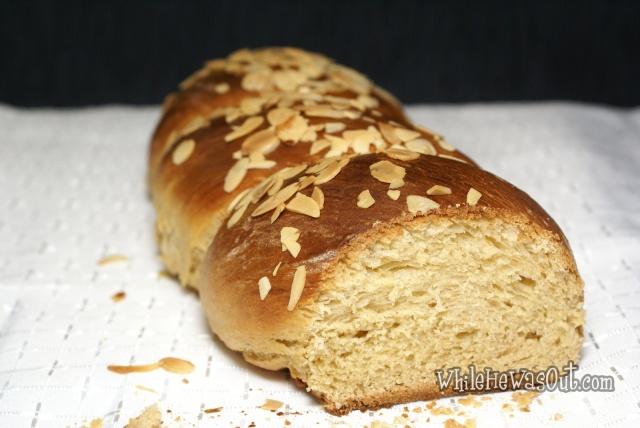 Greek_Easter_Twisted_Sweet_Bread  03