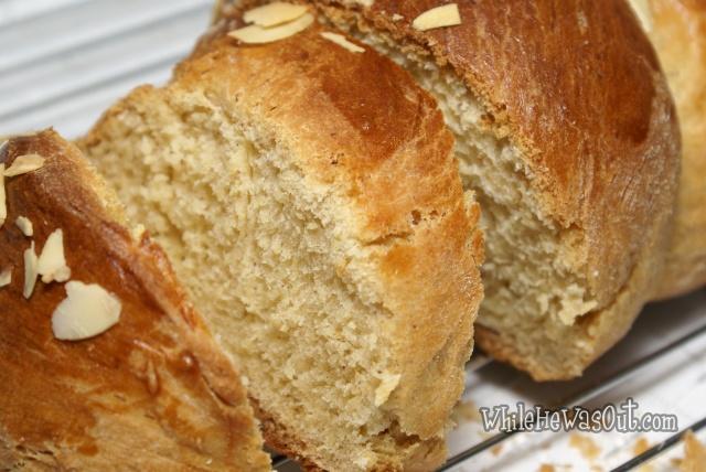 Greek_Easter_Twisted_Sweet_Bread  04