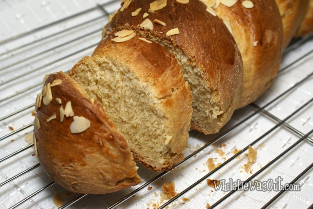 Greek_Easter_Twisted_Sweet_Bread  05