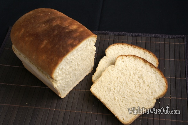Simple_White_Sandwich_Bread  01